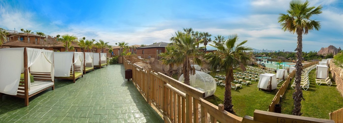 Camas balinesas Magic Natura Animal, Waterpark Resort Benidorm