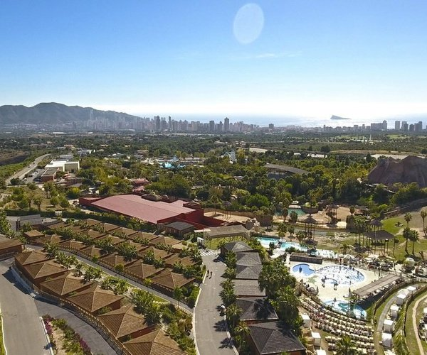 DESCUBRE BENIDORM Magic Natura Animal, Waterpark Resort Benidorm